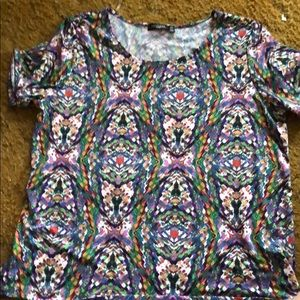 Beautiful print top!!